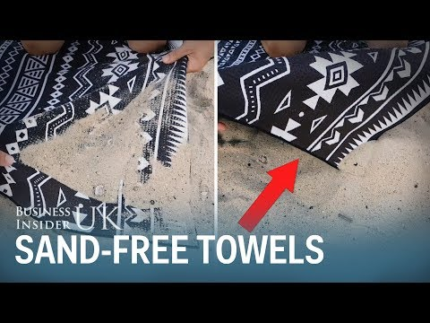 Sand Doesn't Stick To This Towel Even When It's Wet