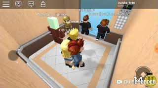 ROBLOX WITH MY SISTER-LIFT HORROR (PRANKS WITH JULIA JU)