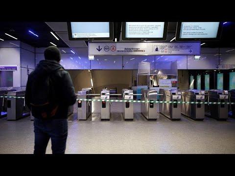 اضطربات وفوضى في قطاع النقل خلال اليوم الثاني من الإضراب في فرنسا…  - 10:59-2019 / 12 / 6