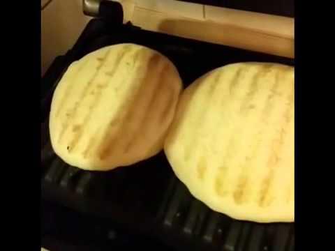 Pratik Tost Makinasinda Ev Yapimi Döner Ekmeği Nasil Yapili