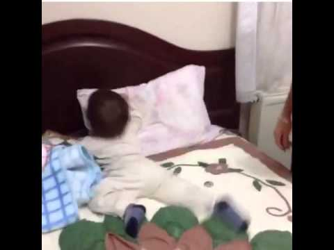 Kid hits head on bed to that\'s so Raven.