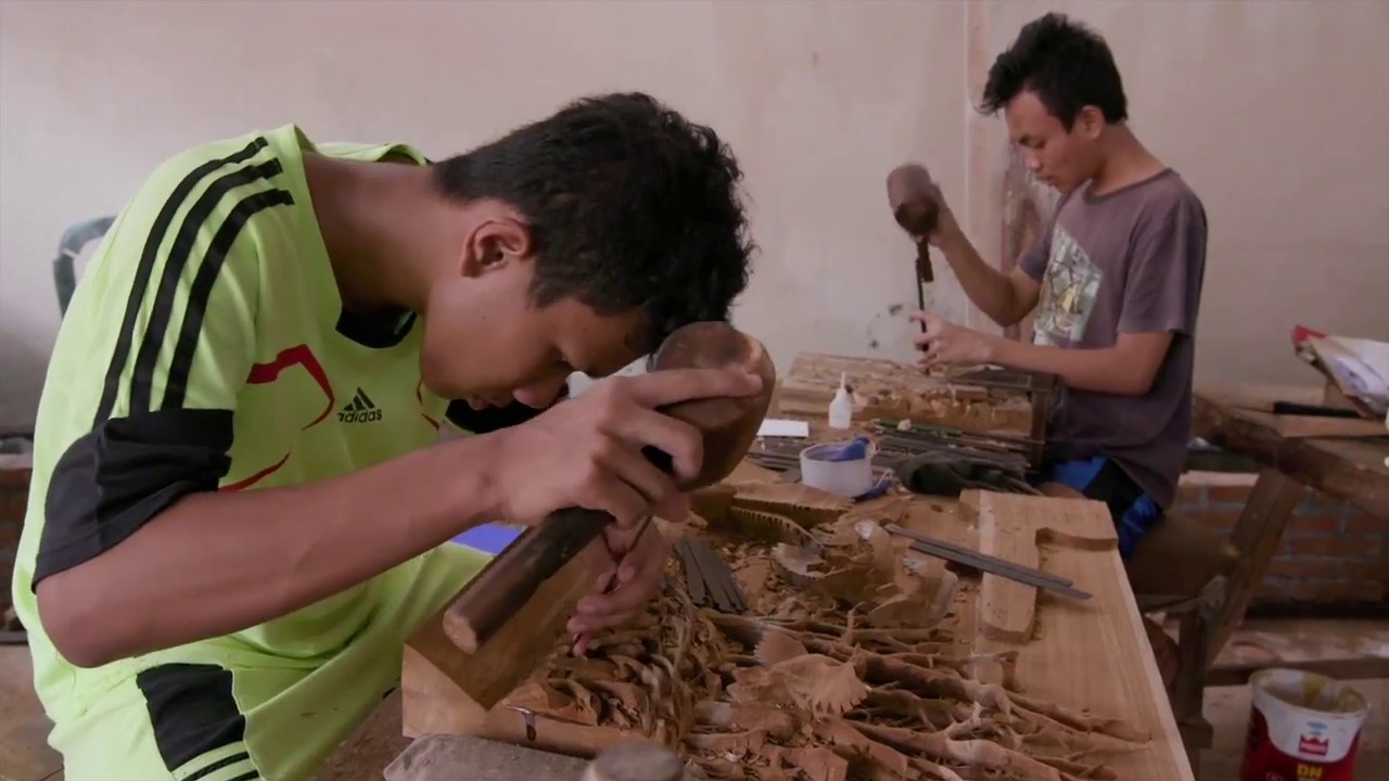 In a Central Java town, local wood enterprises carve a niche