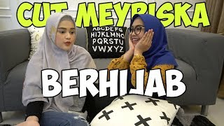 Download Video CUT MEYRISKA DAPET HIDAYAH DAN BERHIJAB. ALHAMDULILLAAHH MAU NIKAH SAMA R....... MP3 3GP MP4