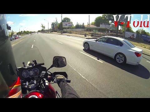 BMW 7 F01 4.4 V8 tries to race me