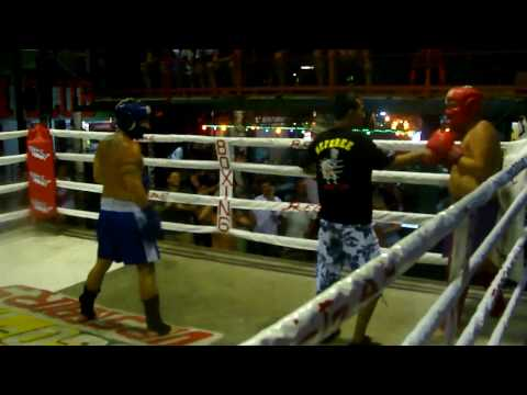 Drunk Boxer Hits Referee