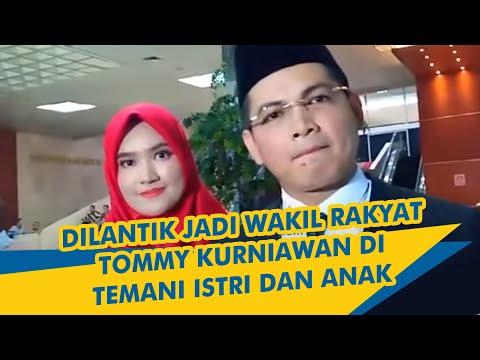Dilantik Jadi Wakil Rakyat, Tommy Kurniawan Ditemani Istri Dan Anak