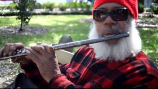Video Savannah street performer awesome flute man 2013 download MP3, 3GP, MP4, WEBM, AVI, FLV November 2017