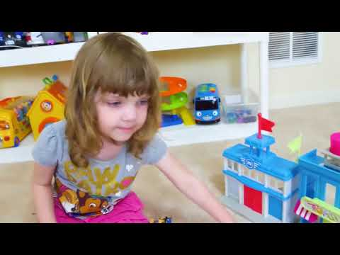 Genevieve开启爪子巡逻迷你嘘声惊喜玩具!