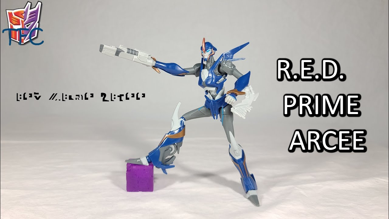 TF Collector Transformers R.E.D. Arcee Review!