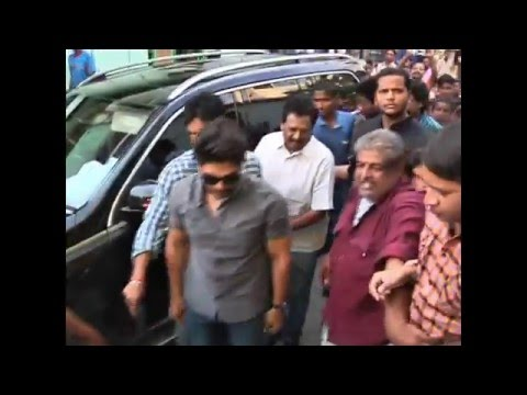 allu arjun meet mega fans at hyderabad