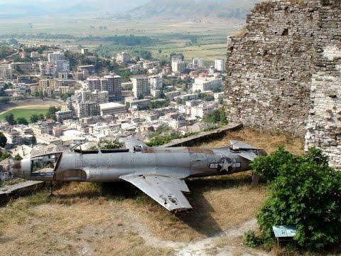 Gjirokastra - Gjirokastёr - Albania - Shqipëria - Zamek w Gjirokastrze - Enver Hodża
