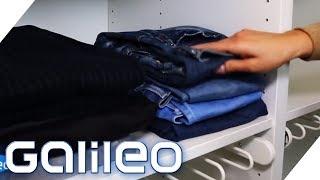 So faltet man Klamotten am platzsparendsten | Galileo | ProSieben
