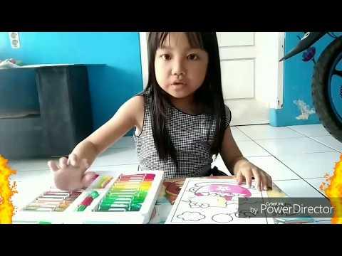 Keren....!!!  Mewarnai gambar Hello Kitty menggunakan crayon