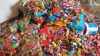 A LOT OF CANDY , A LOT OF FUN 10 000 pieces