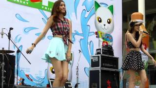 Repeat youtube video Four Mod-06 at Songkran Festival on 15/APR/2013 at CWP.