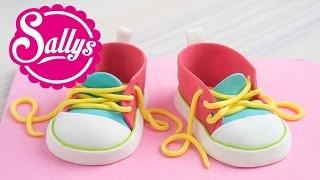 Baby-Schuhe modellieren / Baby Chucks aus Modelliermasse / Fondant