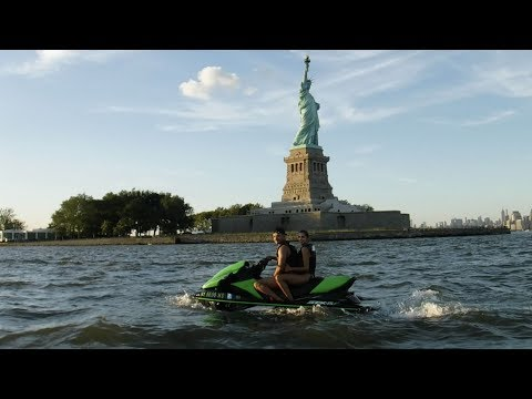 JET SKIING AROUND NEW YORK | Everyday Steve 145