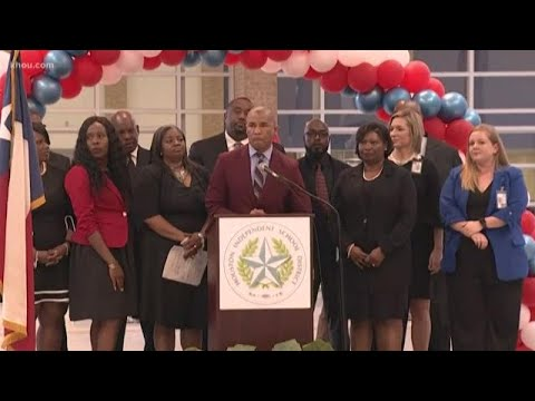 Kashmere High School celebrates big turnaround in state ratings