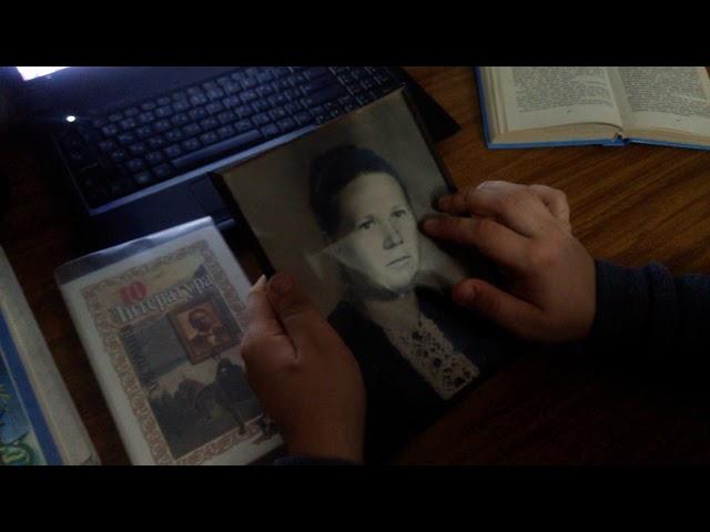 Изображение предпросмотра прочтения – ДенисКрылов читает произведение «Бабушке» М.И.Цветаевой