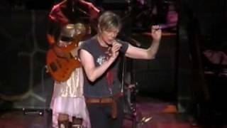 David Bowie -  A New Career In A New Town / Ashes To Ashes (Tokyo - 08.03.2004)