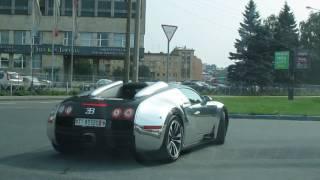 Bugatti Veyron с охраной. В Питере на бензоправке Кириши!
