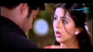 Repeat youtube video Bhoomika Slips into Jr.Ntr's Arm | Simhadri | Telugu Movie scene