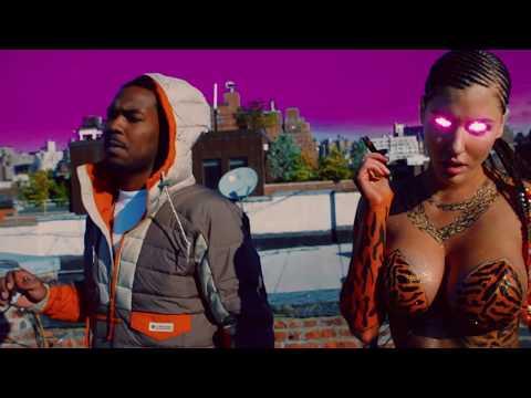 GLitta FoXX Aka Gabi Grecko- See Me Madd feat. Downtown Dion [prod. by A Lau x Tony Seltzer]