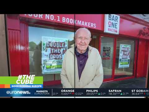 euronews (in English): Great-grandfather fights off armed raiders at bookies