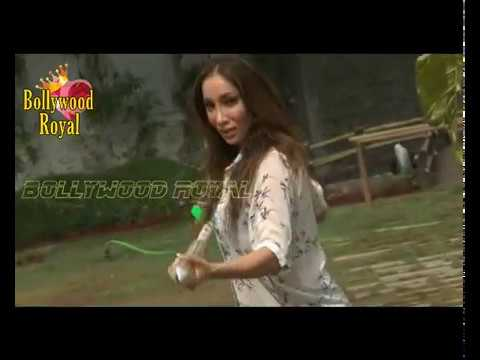 Download Photo Shoot Of Sofia Hayat for Holi Part-1