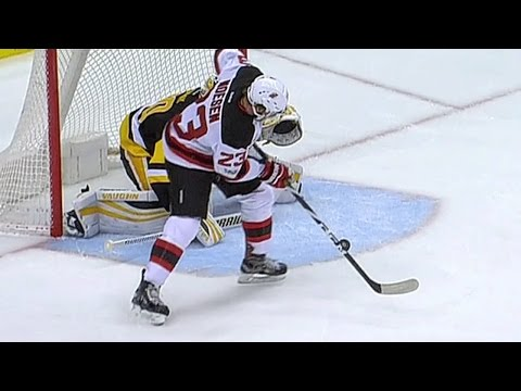Gotta See It: Noesen bats puck into net after teeing it up with his toe