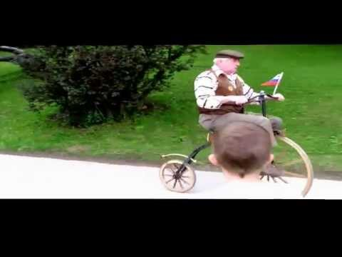 Retro cyclists