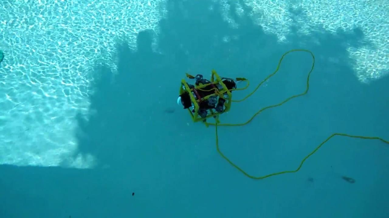 DIY submersible ROV flies through the water