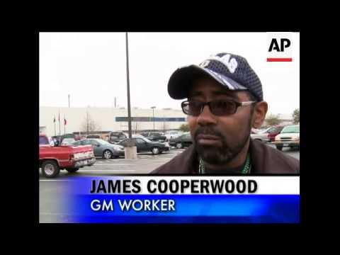 General Motors Corp. presented a survival plan that calls for cutting 47,000 jobs globally and closi