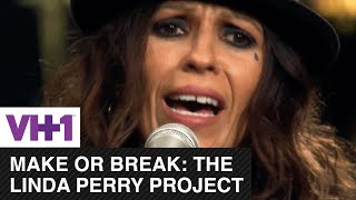 "Linda Perry Sings ""Beautiful"" 