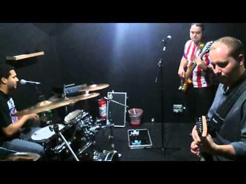 Banda Murta - Breaking the Law