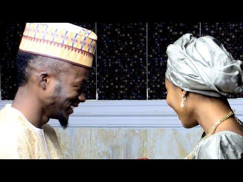 Download Wakar Auren Alhaji Edita (Muaz Musa) Da tare Matarsa Sadiya wanda Nazir Mai Atamfa rera