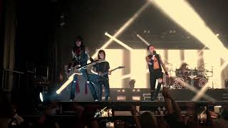 Black Veil Brides preforms Wake Up