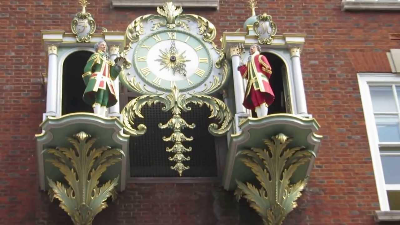 Fortnum mason store london clock ceremony youtube for Maison mason