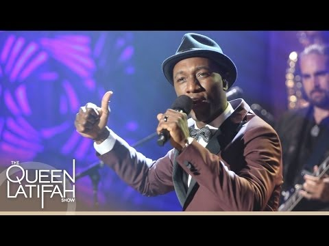 "Aloe Blacc Performs ""The Man"" Off New Album Lift Your Spirit on The Queen Latifah Show"