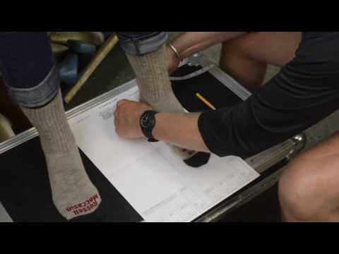 Custom Measuring Instructions - Russell Moccasin