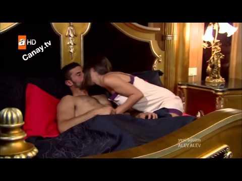 ▶▶▶ Hande Soral Bacak Show Alev Alev dizisinde Alev Alev Sevişme