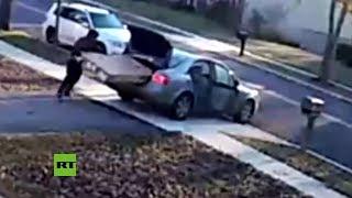 Ladrón 'novato' roba una tele que no cabe en su auto