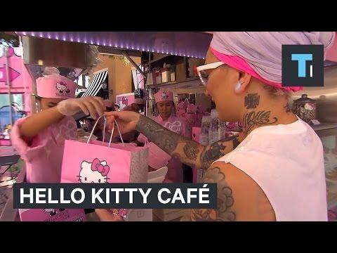 Hello Kitty café in California