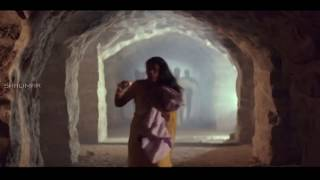 Rowdies Chase Pregnant Lady Action Scene || Killer Movie || Nagarjuna, Nagma
