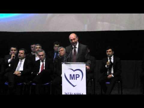 Traian Băsescu vorbeste la Cluj despre atentatele de la Paris I