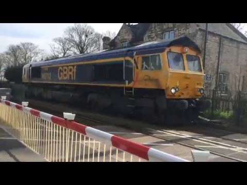 (720p) Stow Park Level Crossing (21/04/16)