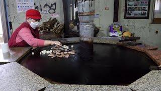 Download Mp3 거대한 드럼통 두부 김치 두루치기 / Giant Drum Roast Pork / Korean Street Food Gudang lagu