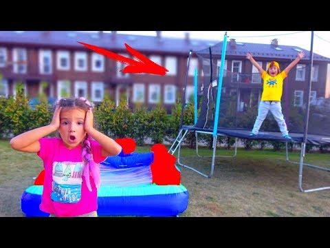 Камиль НЕ РАЗРЕШАЕТ Аминке Прыгать на Батуте! Для Детей Kids Children