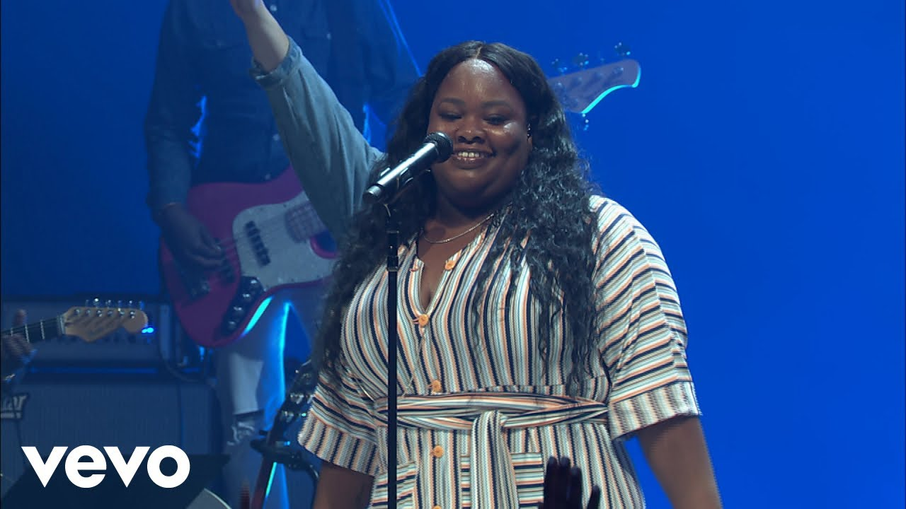 Tasha Cobbs Leonard - I'm Free (Live At Passion City Church)
