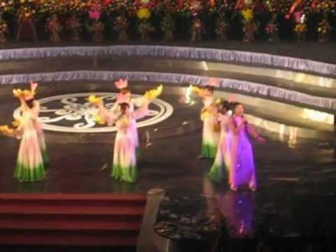 Lời Ca Dâng Bác - Nguyễn Thị Dung_xhhK33_Đại Học Khoa Học Huế.AVI